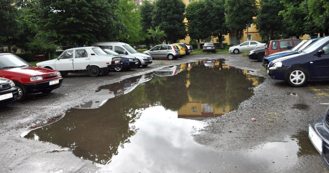 Găsirea unui loc de parcare, chinul bucureștenilor. Cât timp durează, în medie, să găsești un loc de parcare
