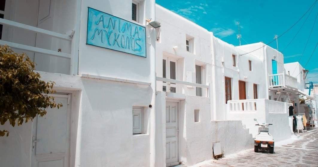 """Insula grecească Mykonos, din poziţia de """"campioană"""" a vaccinării la mini-lockdown"""