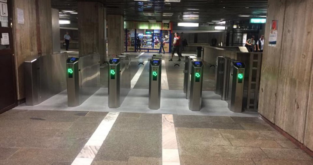 VIDEO  Demolări cu scandal în stațiile de metrou
