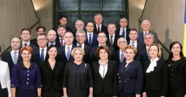Revista presei 10 ianuarie: CV-urile modeste ale ministrilor din cabinetul...