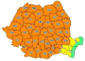 Cod portocaliu de vijelii puternice și averse torențiale în aproape toată țara