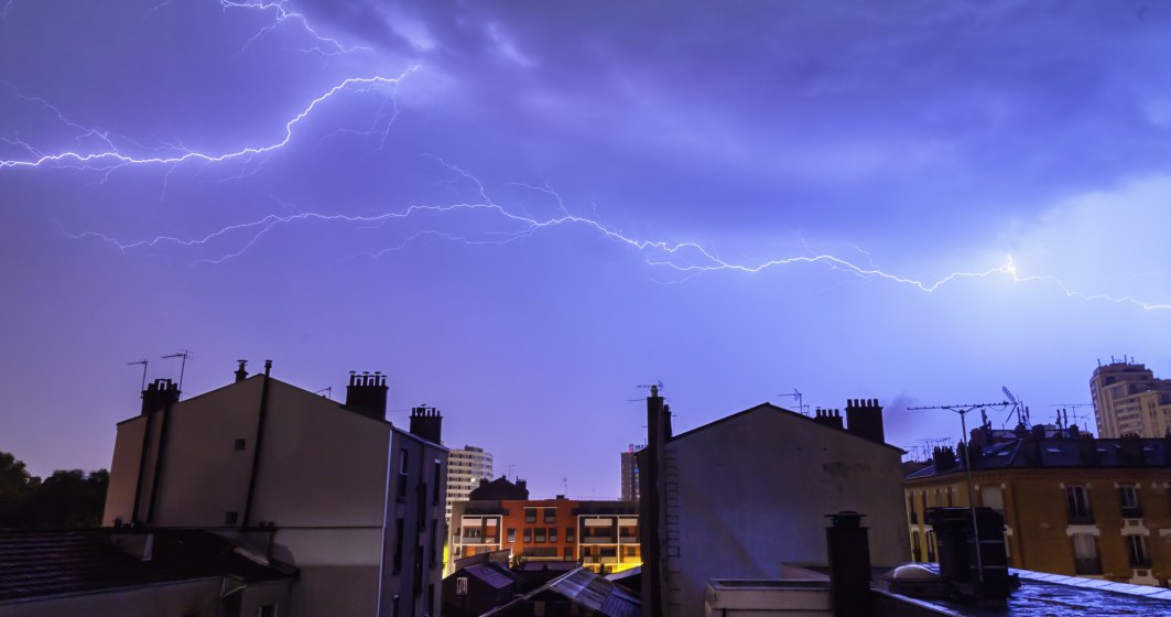 Alerta ANM. Cod galben de furtuni in Bucuresti si 37 de judete