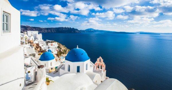 Grecia, vedeta verii, se plânge de numărul mare de turiști. Ce probleme au...