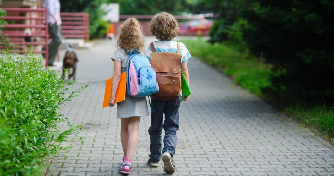 Prima zi de școală aduce scenarii schimbate pentru mai multe școli din Capitală. 8 unități de îmvățământ trec peste noapte în scenariul roșu