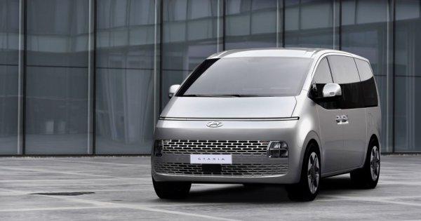 Hyundai lansează Staria, un monovolum de lux cu 11 locuri