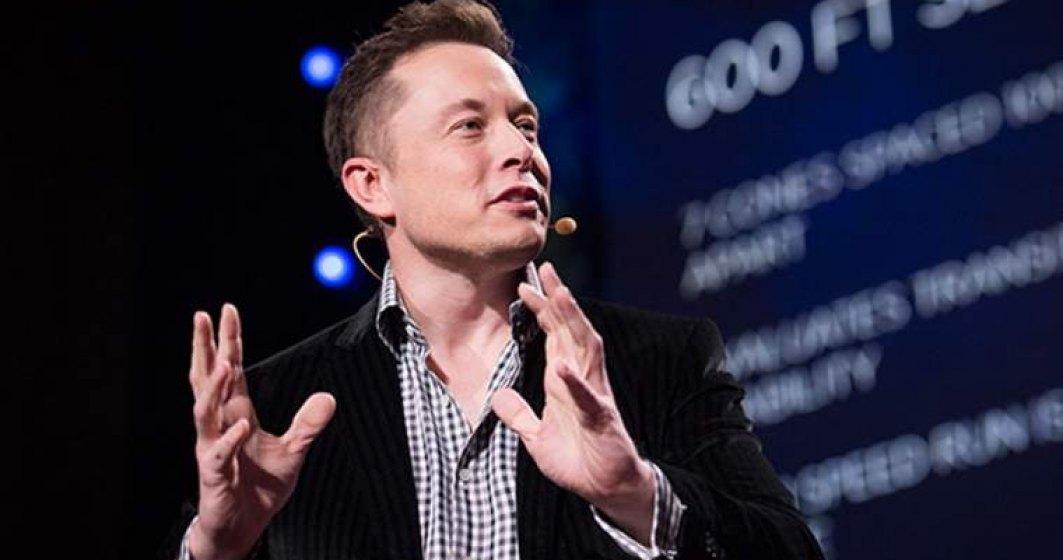 """Elon Musk s-a pus pe """"făcut"""" tequila: cum arată ultimul produs marca Tesla"""