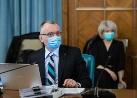 Sorin Cîmpeanu, despre valul patru al pandemiei: Sunt susţinătorul prezenţei...