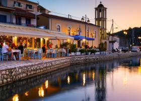 Noi reguli în Grecia: turiștii vor putea intra în restaurante doar cu...