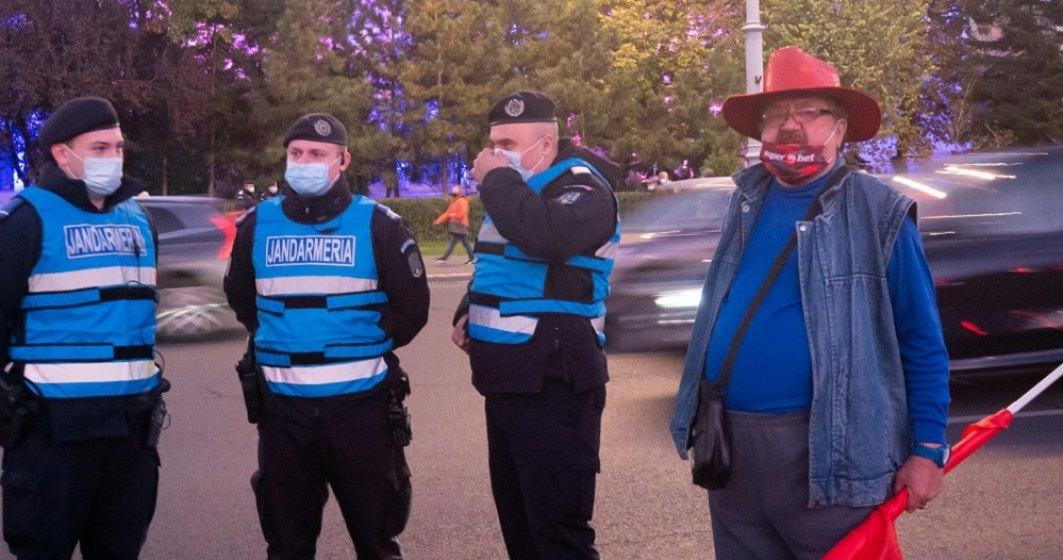 VIDEOREPORTAJ / Protest în capitală: Conspirații, COVID, agresiuni și amenzi date preferențial