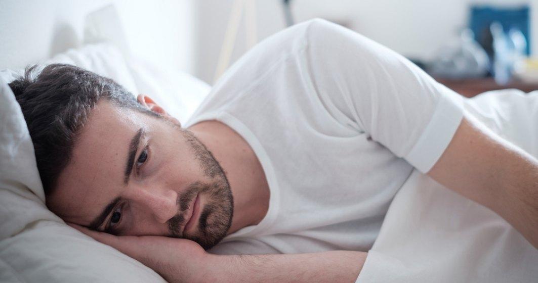 De ce dormi mai prost vara. 5 motive pentru care caldura iti da peste cap somnul