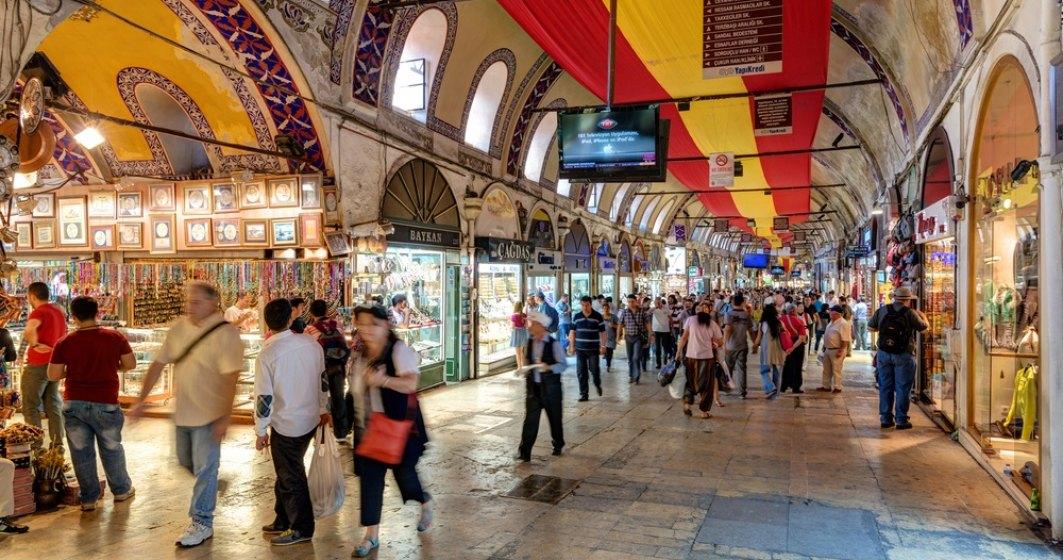 Coronavirus: Turcia relaxează majoritatea restricţiilor; Marele Bazar, redeschis