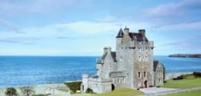 Vacanta la castel: Cat de costa sa intri in pielea printilor?