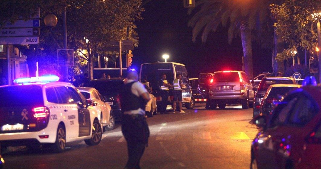 Raniti la Barcelona: o duba alba intra in multime in Las Ramblas