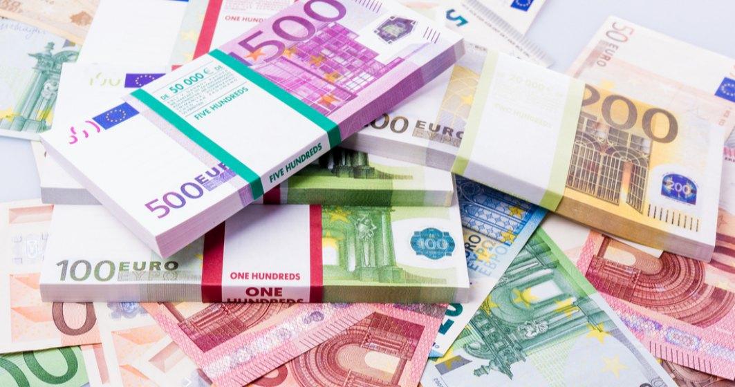 Euro atinge un nou record istoric în raport cu leu
