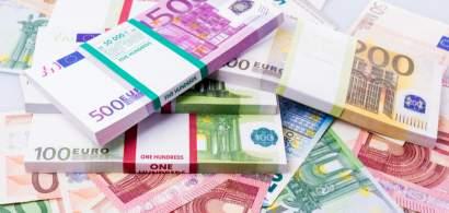 Euro atinge un nou record istoric în raport cu leul