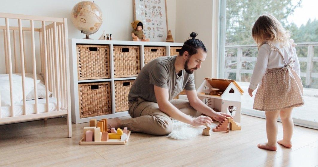 Românii care lucrează în străinătate pot primi alocații europene pentru copiii lor. Cine poate primi astfel de indemnizații