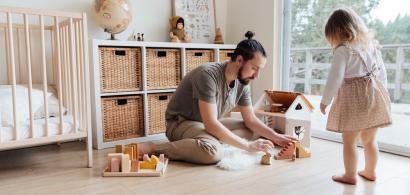 Românii care lucrează în străinătate pot primi alocații europene pentru...
