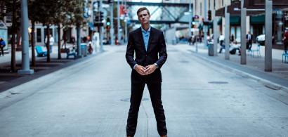 Stilul vestimentar elegant la bărbați: 9 articole esențiale
