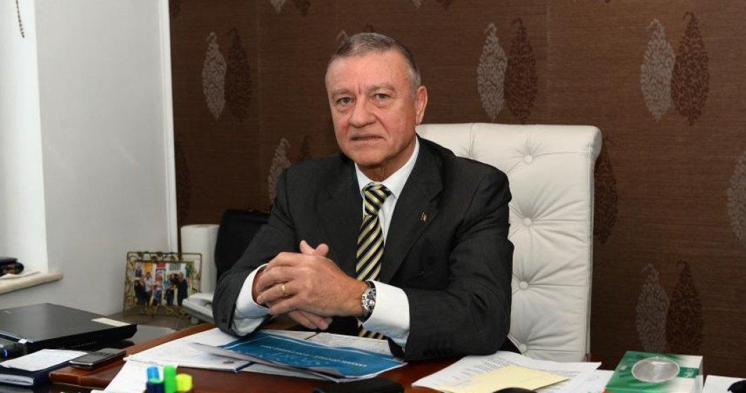 Fostul presedinte FRF, Mircea Sandu, urmarit penal pentru delapidare si spalare de bani