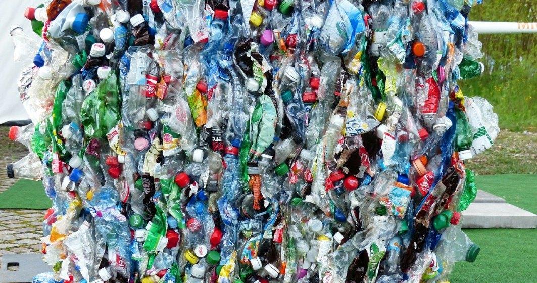 O companie românească transformă deșeurile colectate selectiv în tablete pentru elevii din mediul rural