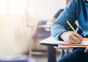 Doar 70 de absolvenți din Bihor au ales să meargă la școlile profesionale