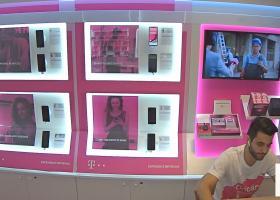 Telekom lansează LIVE Shop: magazin cu transmisiune live și agent dedicat...