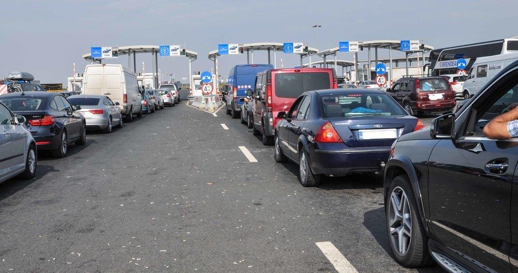 Cozi uriașe de mașini la intrarea în țară: în vama Nădlac timpul de așteptare ajunge la două ore