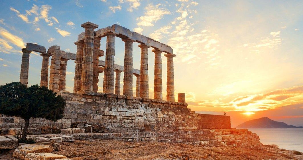Grecia intră în carantină parțială. Premierul grec: Trebuie luate măsuri acum, pentru a nu afecta Crăciunul