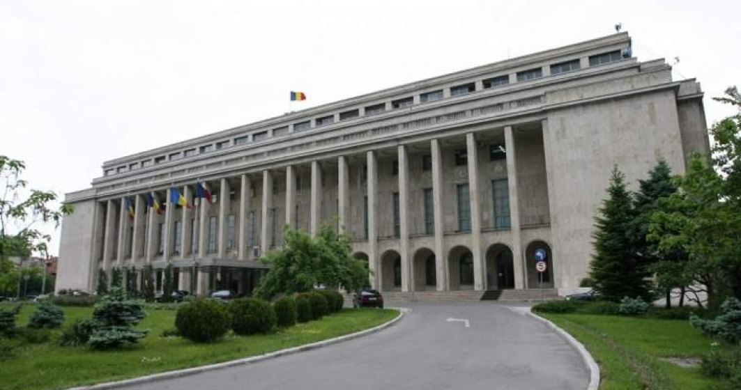 Sapte ministri si-au depus cererile de retragere a demisiilor din Guvern