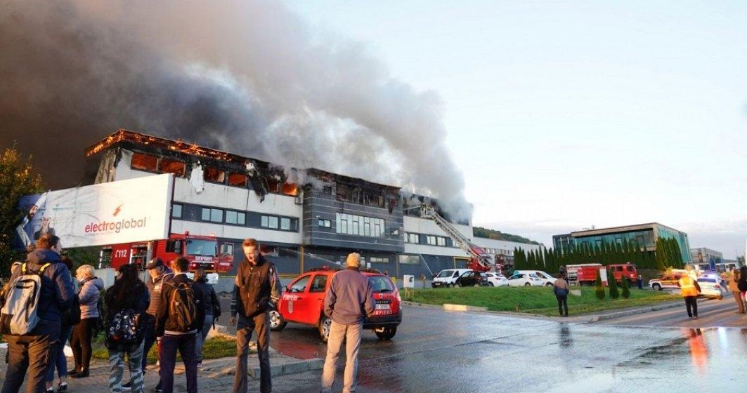 Un incendiu de dimensiuni mari a a izbucnit la Parcul Industrial Tetarom