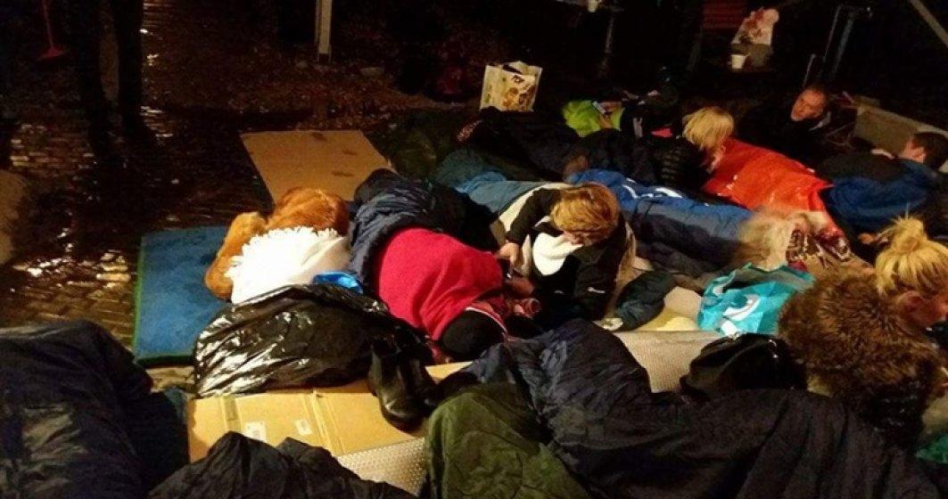 Ambasadorul Marii Britanii la Bucuresti a dormit pe strada pe bucati de carton  FOTO