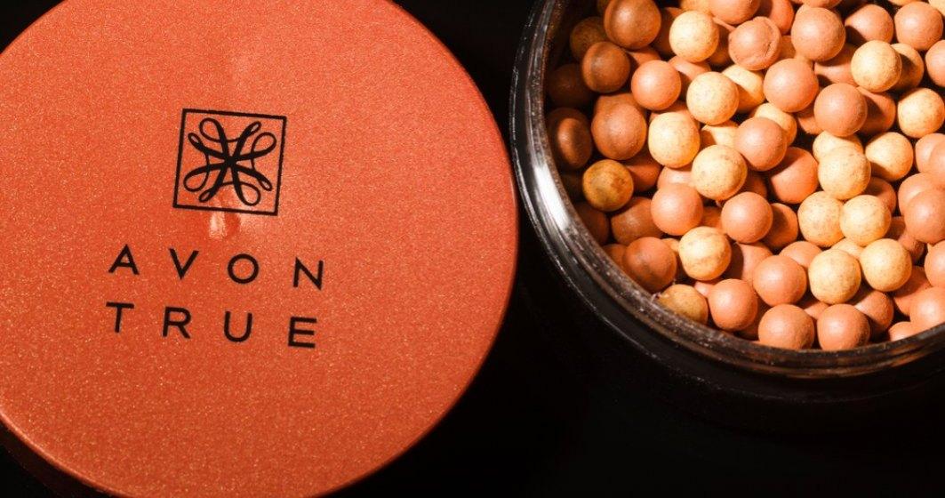 Tranzactie pe piata de beauty: Avon, cumparata de compania care detine lantul The Body Shop