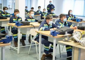 54 de tineri instalatori, angajați de ENGIE România după ce au urmat cursuri...