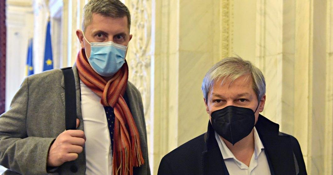 """Dan Barna: Voiculescu a fost demis din cauza unei """"neperformanță"""" în comunicare"""