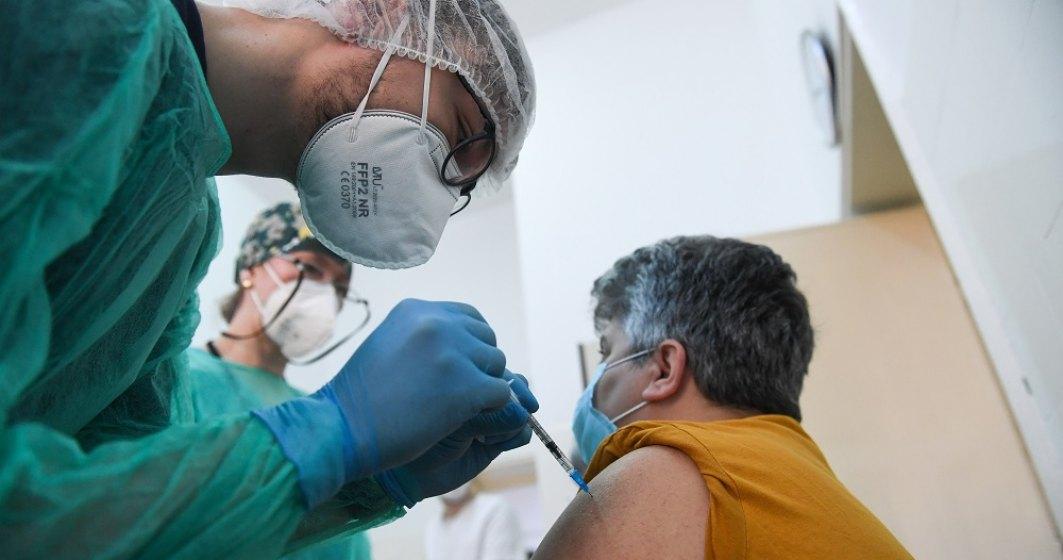 Liber la vaccinare în spitalele militare. Te poți vaccina începând de azi, fără programare