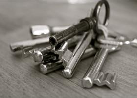 Chiar trebuie să devii proprietar? Și dacă da, tu știi ce casă îți permiți?