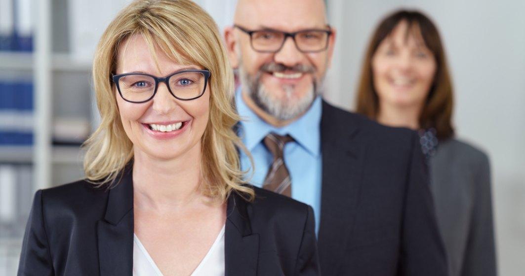 "Experienta ""bate"" varsta? De ce merita sa angajezi persoane varstnice in companii"