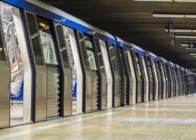 Metrorex îți dă cartele de metrou dacă dai la schimb PET-uri, sticle sau doze...