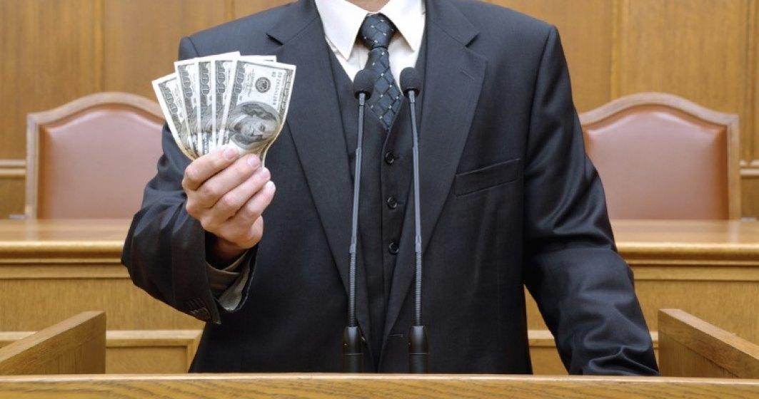 Robu: Dintr-o logica idioata, primarii nu beneficiaza de majorari salariale. Un primar ar trebui sa castige 5.000 de euro