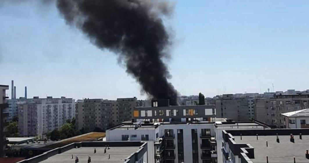 Incendiu la terasa unui restaurant de pe strada Râmnicu Vâlcea din Bucureşti