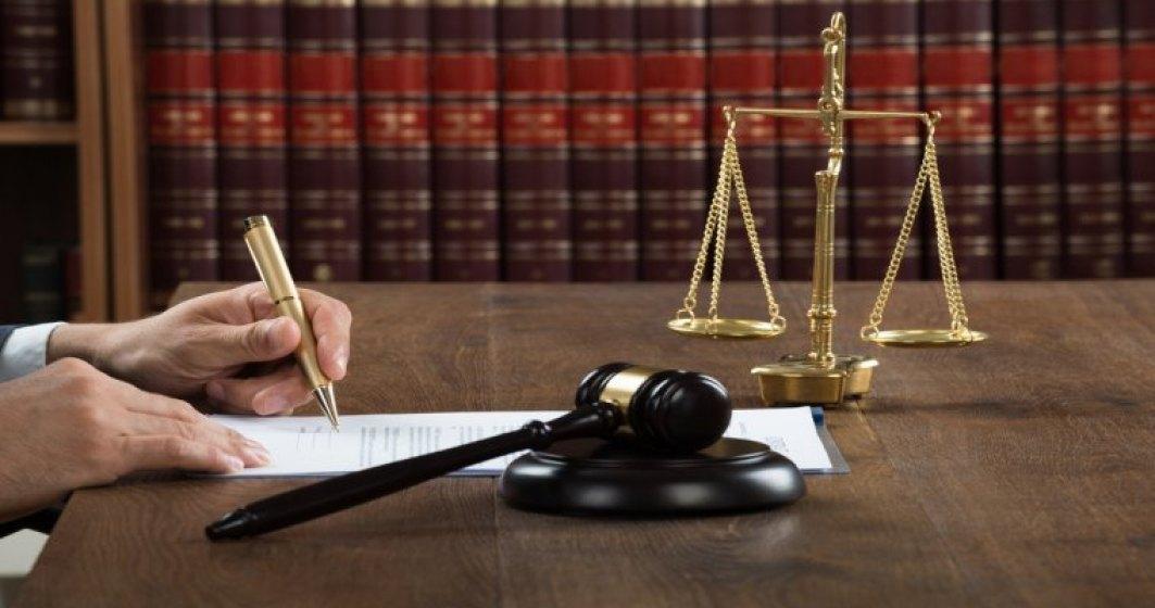 CCR a respins sesizarea lui Iohannis privind legea referendumului