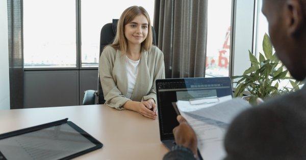 25 de întrebări pe care să le adresezi la finalul unui interviu de angajare