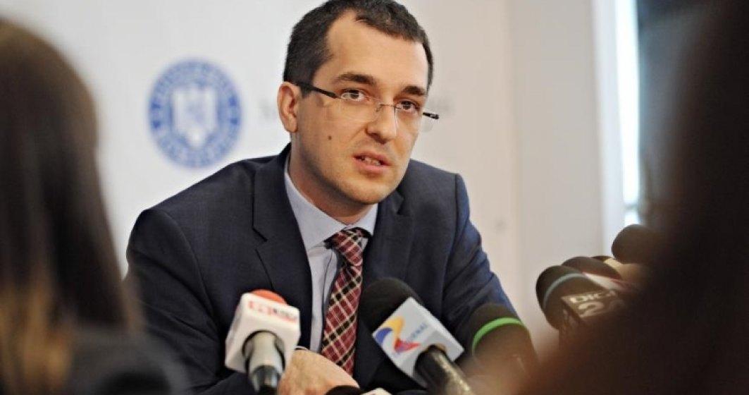 """Vlad Voiculescu, despre """"Caracatita domnului Lucan"""": Ce spune fostul ministru despre cazul medicului anchetat de DIICOT"""