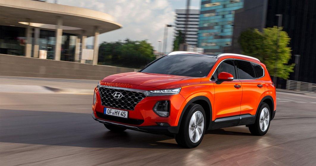 Cea de-a patra generatie Hyundai Santa Fe este disponibila in Romania intr-o echipare de varf. Costa 53.000 euro