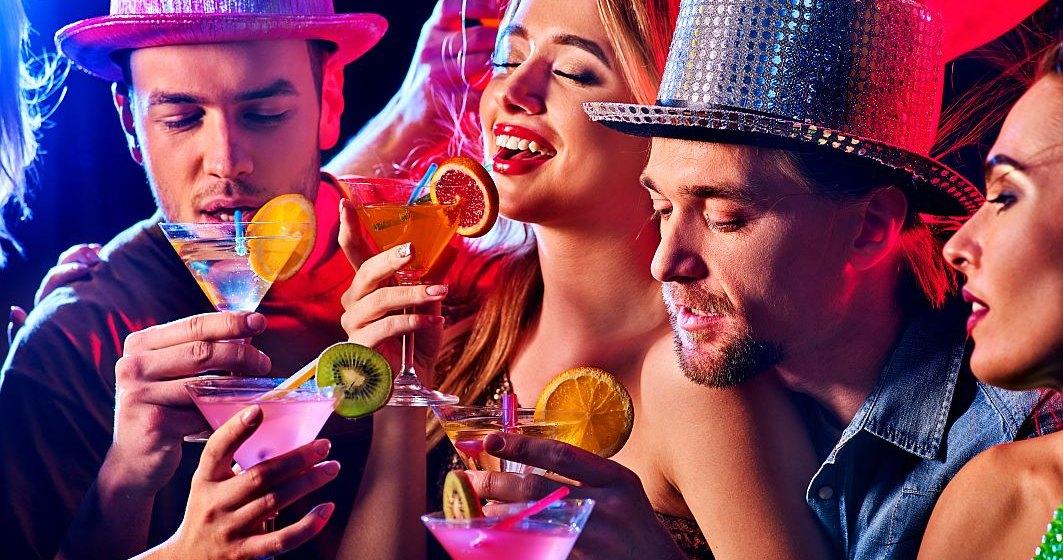 Petrecere într-un club privat din Bucureşti, oprită de poliţişti