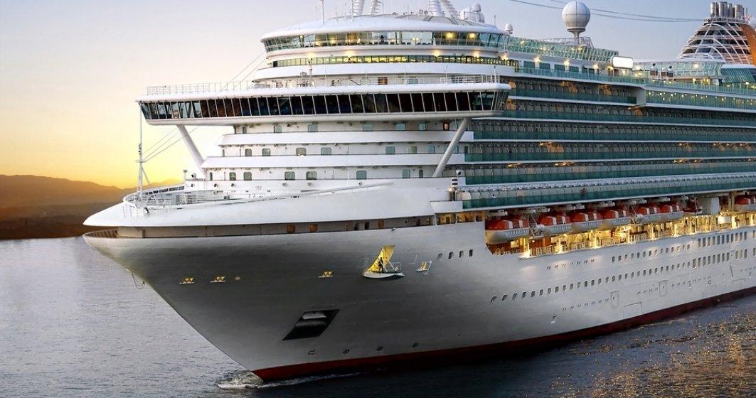 Coronavirus: Un vas de croazieră cu 383 de pasageri, în carantină în portul grec Pireu