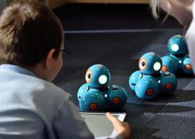"""""""Școală de vară"""" la MindHub România, pentru copiii care vor să învețe programare"""