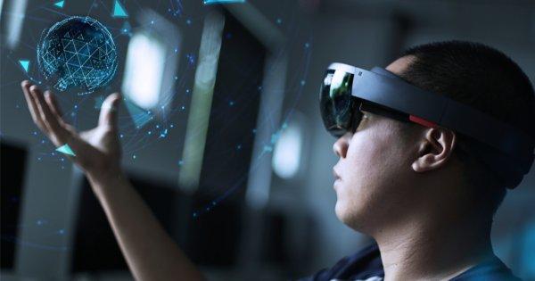 Apple anunță că dezvoltă o tehnologie de realitate augmentată care să...