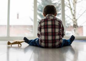 Studiu: Aproximativ 1,5 mil. de copii și-au pierdut un parinte sau un...