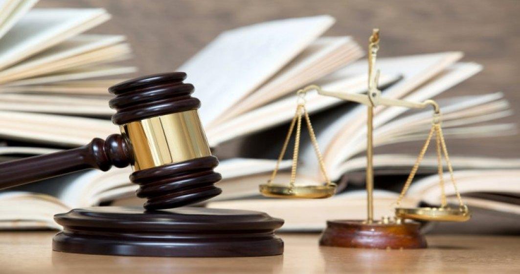 CCR: Legea care elimina 102 taxe nefiscale, inclusiv cea radio-tv, este constitutionala